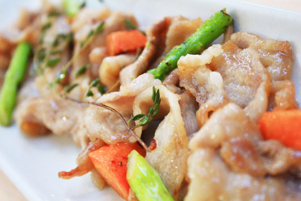 蓋バラ肉炒め03