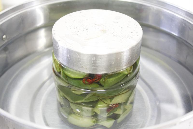 瓶を湯煎する